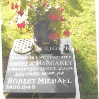 Grave_of_Angela_Margaret_Wright_in_Kidlington.jpg